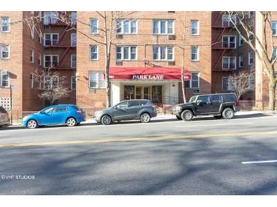 1 Bed 1 Bath Foreclosure Property in Bronx, NY 10471 - Broadway Apt 4k