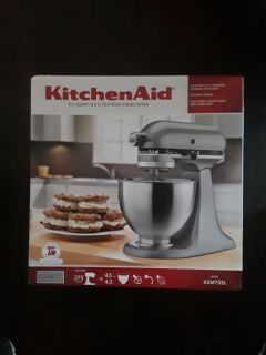 Kitchen Aid Mixer **Great For Christmas***