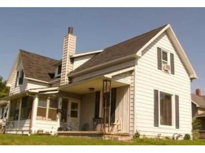 3 Bed 1.5 Bath Foreclosure Property in Elwood, IN 46036 - N 13th St