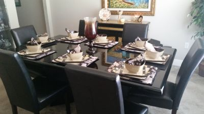 Dinning room table set (6 chairs)