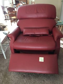 Free lift chair and hospital bed.