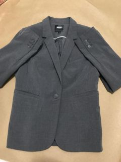 Beautiful 2 piece suit from The Limited.