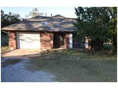 3 Bed 2 Bath Foreclosure Property in Wilson, OK 73463 - Bronco Rd