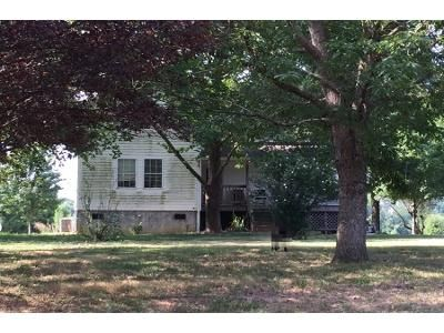 3 Bed 2.0 Bath Preforeclosure Property in Plainville, GA 30733 - Riverbend Rd SW