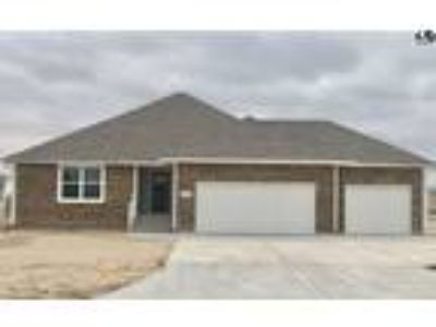 $246900 Three BR 2.00 BA, Hutchinson