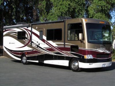 2013 Thor Motor Coach HURRICANE 33