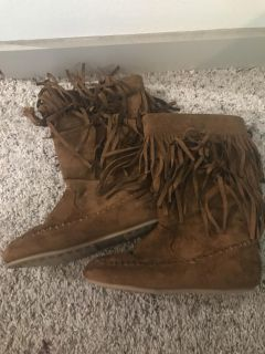 Rampage Girls Bunnie fringe size 3 faux suede boots