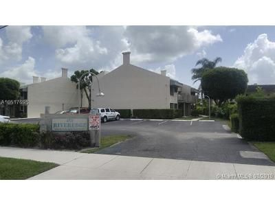 2 Bed 2 Bath Foreclosure Property in North Palm Beach, FL 33408 - Southwind Dr Apt C1