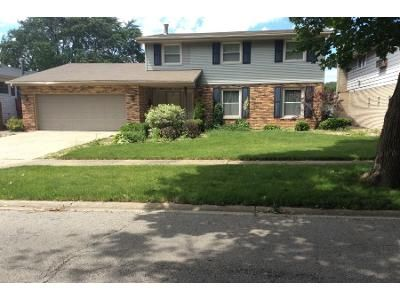 2.5 Bath Foreclosure Property in Matteson, IL 60443 - Oakwood Ln