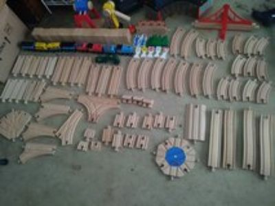 melissa and doug deluxe wooden train set reduced