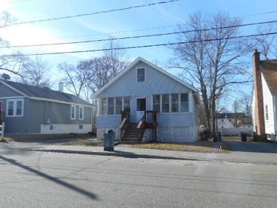2 Bed 1 Bath Foreclosure Property in Brockton, MA 02302 - Sterling Rd