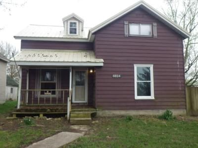 3 Bed 1 Bath Foreclosure Property in Craigville, IN 46731 - E Market St