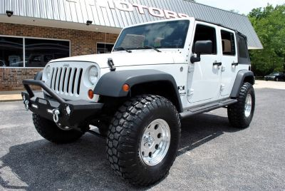 2007 Jeep Wrangler Unlimited X (White)