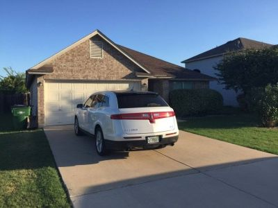 $2880 3 single-family home in North Austin