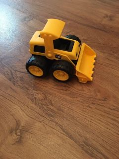 CAT bulldozer Truck. In good condition. Asking $3