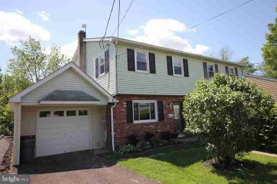 233 W Park Ave SELLERSVILLE Three BR, Come view this move-in