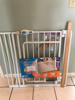 Pet or Baby Safety Gate , cross posted .
