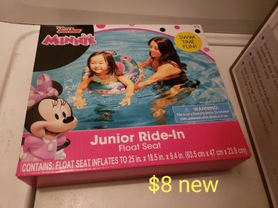 Minnie mouse pool float