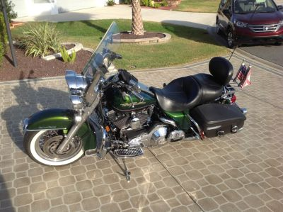 2006 Harley Road King Classic / Dragonfly Green