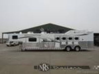 4 Horse Side Load 16 6 Living Quarters Trailers with Slide OutTwister