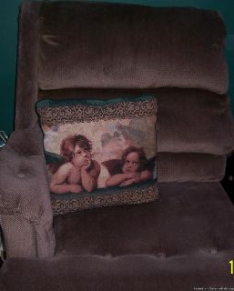 (((((LIVING ROOM CHAIR// STUNNING DINING ROOM SET -LIKE NEW -NO SCRATCHES OR STAINS-USED TWICE