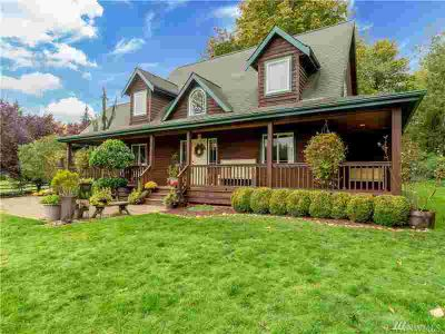 24032 Wallitner Rd Arlington Four BR, This home is a MUST SEE!