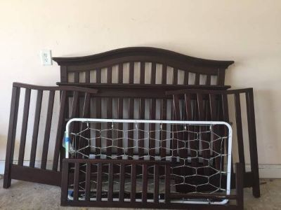 Crib and toddler bed - classic, modern design