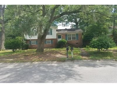 4 Bed 2 Bath Preforeclosure Property in North Charleston, SC 29420 - Plaza Ln