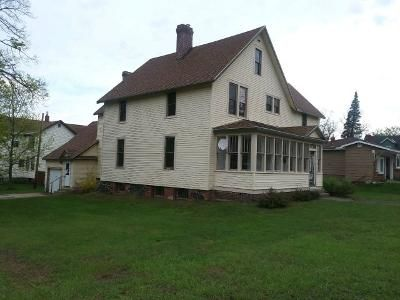 4 Bed 2 Bath Foreclosure Property in Calumet, MI 49913 - Calumet Ave