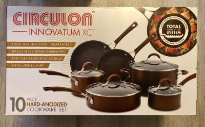 New 10 pc. Cookware