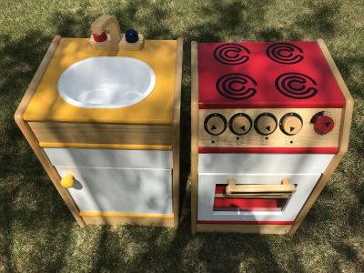 Lakeshore Learning Stove & Sink