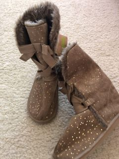 NWT Crazy 8 size 13 tan/gold boots