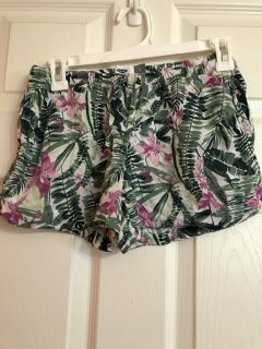 Old Navy brand shorts- large