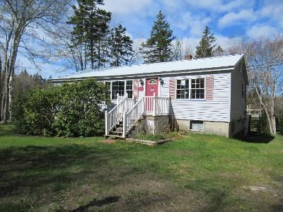 2 Bed 1 Bath Foreclosure Property in Southport, ME 04576 - Hendricks Hill Rd