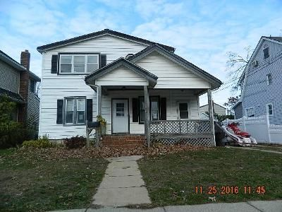 5 Bed 2 Bath Foreclosure Property in Bellmore, NY 11710 - Clinton St