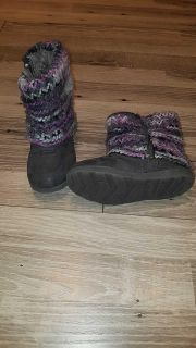 Cat and Jack boots size 10