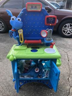 Doc McStuffins Doctor Table with accessories