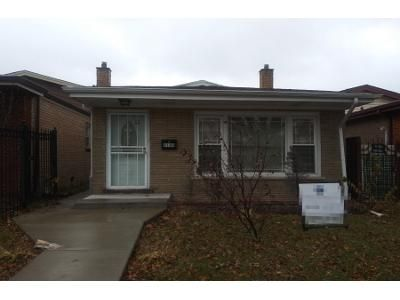 3 Bed 1 Bath Foreclosure Property in Chicago, IL 60617 - S Jeffery Ave