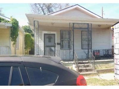 3 Bed 1 Bath Foreclosure Property in New Orleans, LA 70118 - Cohn St