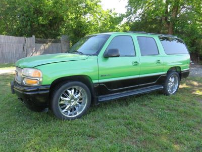 2001 GMC Yukon XL Denali (Green)