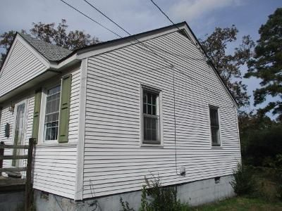3 Bed 1 Bath Foreclosure Property in Sandston, VA 23150 - E Nine Mile Rd