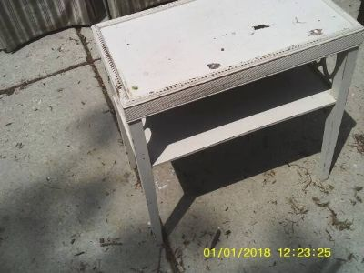 ANTIQUE PARLOR TABLE ALL WOOD