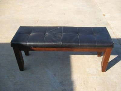 WOOD BENCH WVINYL TOP4 ft long x 16 wide x 20 tall