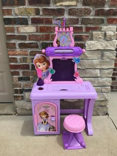 Sofia the first vanity playset