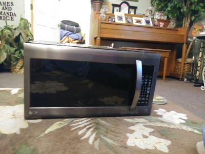Microwave LG over range excellent condition