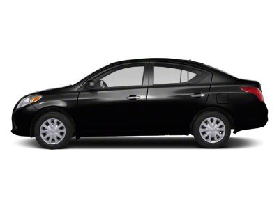 2013 Nissan Versa 1.6 S (Super Black)