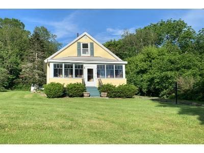 2 Bed 1 Bath Preforeclosure Property in North Adams, MA 01247 - Wells Ave