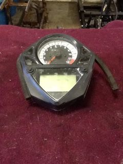 Sell 2006 Suzuki SV650S Speedometer motorcycle in Greenville, Wisconsin, US, for US $100.00