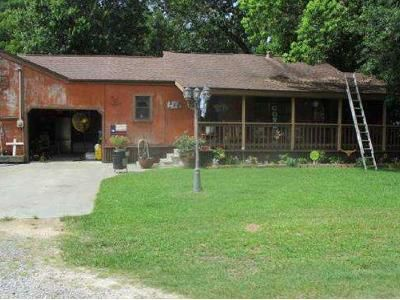 3 Bed 2 Bath Foreclosure Property in Bridge City, TX 77611 - Charles Ave