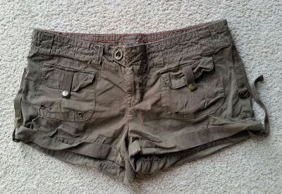 American Eagle shorts size Juniors 4